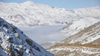 Yüksekova'dan büyülü sis manzaraları