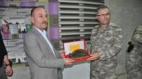 Yüksekova Kaymakamı ve Belediye Başkan Vekili Mahmut Kaşıkçı'ya Veda Yemeği