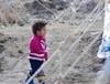 Deprem bölgesinde çocuk kareleri