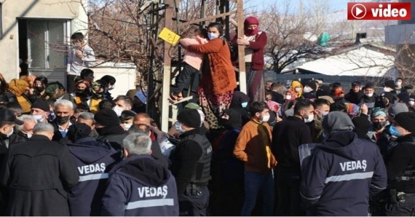 Van'da 'sayaç' gerginliği; Mahalle iki gündür elektriksiz