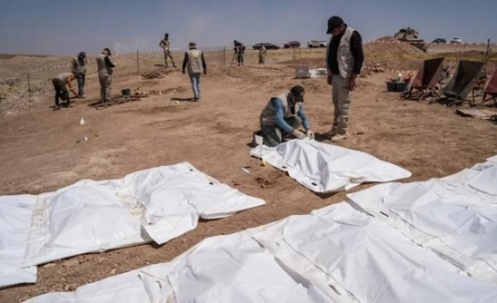 IŞİD'in katlettiği yüzlerce Şii'nin toplu mezarı açılıyor