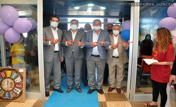 Yüksekova'da  'Oscar Teras Cafe' adlı iş yeri hizmete açıldı