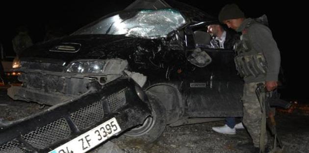 5 Afgan'ın öldüğü kazada, hafif ticari araca 21 kişi binmiş