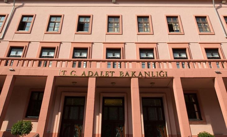 Adalet Bakanlığı'nda personel öğle yemeği sonrası rahatsızlandı