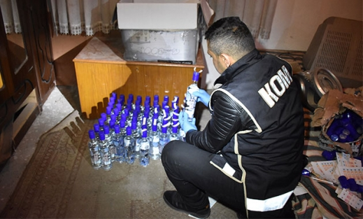 Aksaray'da 2 bin 500 adet sahte içki ele geçirildi