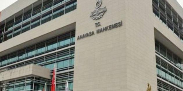 AYM  tutuklu gazeteciler için kararını ekimde verecek