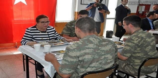 Bakan Pekcan'dan Yüksekova Ve Esendere'ye Ziyaret