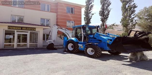 Bakanlıktan Esendere Belediyesine 1 adet iş makinesi hibe edildi