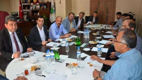 CHP'li Gökçel Hakkari'de STK temsilcileriyle...