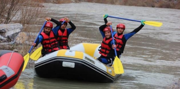Cilo Rafting Kulübü şampiyonasına hazırlanıyorlar