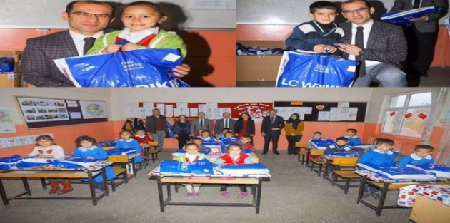 Çukurca'da 2 bin 65 öğrenciye yardım yapıldı