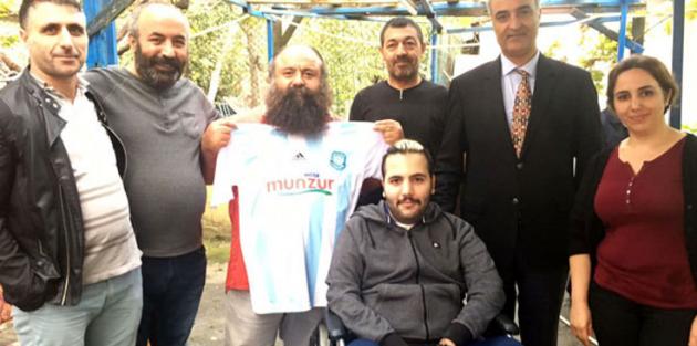 Dersimspor'dan Galatasaray maçında Beşiktaş taraftarına jest