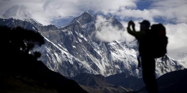 Everest'te 'ölüm trafiği': 11 dağcı yaşamını yitirdi