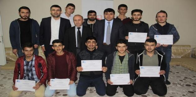 Hakkari'de 20 kursiyere girişimcilik sertifikası verildi!