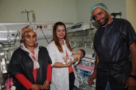 Hakkari'de 7 Günlük Bebeğin Kan Değişimi Yapıldı