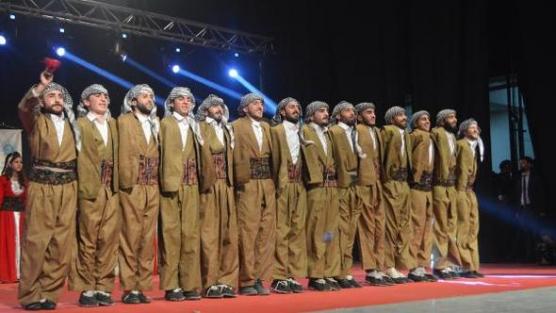 Hakkari'de 'Kültürlerin Dansı'na yoğun ilgi