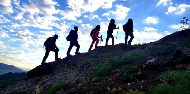 Hakkarili Dağcılar Erek Dağına Tırmandı
