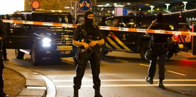 Hollanda'nın başkenti Amsterdam'da silahlı saldırı