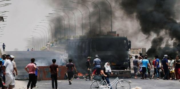 Irak'ta gösteriler büyüdü: Başkentte internet kesildi