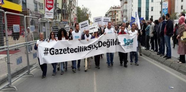 İstanbul'da 35 gazeteciye gözaltı kararı