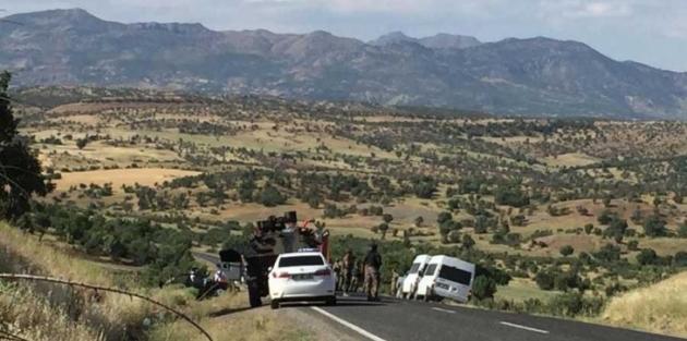 Lice'de polis otomobiliyle sivil araç çarpıştı: 5 ölü