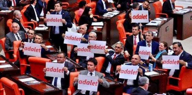 Meclis'te 'adalet yürüyüşü' tartışması