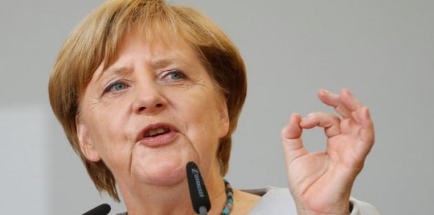 Merkel: Türkiye'deki sorunların taşınmasını istemiyoruz