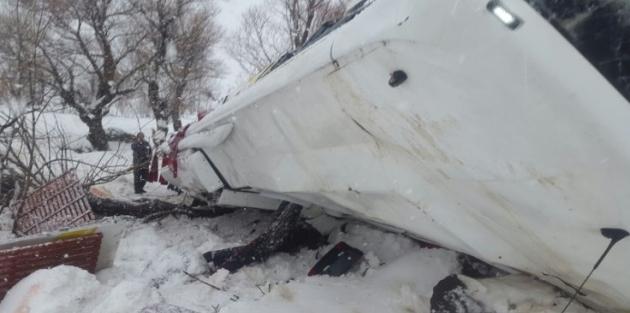 Muş'ta trafik kazası: 6 ölü