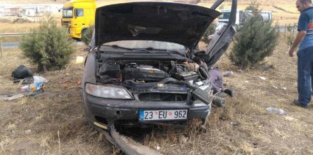Takla atan otomobildeki anne ile bebeği öldü, 5 kişi yaralandı