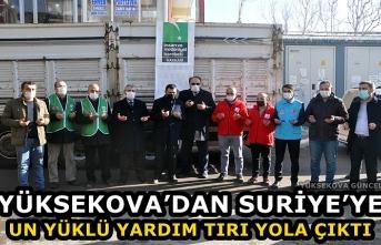Yüksekova'dan Suriye'ye Un Yüklü Yardım Tırı Yola Çıktı