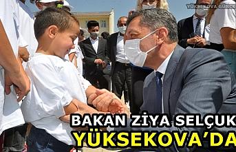 Bakan Selçuk Yüksekova'da