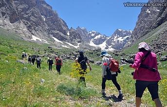 Hakkari-Yüksekova Cilo Dağlarındaki Cennet ve Cehennem vadilerine yoğun ilgi
