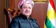 Barzani; Bayrak da marş...