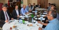CHP'li Gökçel Hakkari'de STK temsilcileriyle buluştu