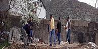 Çukurca'da toprak evler tarihe karışıyor