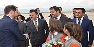 Enerji ve Tabii Kaynaklar Bakanı Berat Albayrak Yüksekova'da