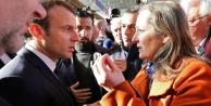 Macron kendisini yuhalayanlarla sohbet etti!