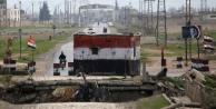 Suriye devlet televizyonu: Esad birkaç saat içinde Afrin'e giriyor