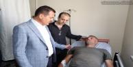 Vali Akbıyık, yaralı vatandaşları ziyaret etti