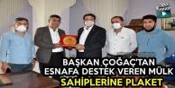 Başkan Çoğaç'tan Esnafa Destek Veren Mülk Sahiplerine Plaket