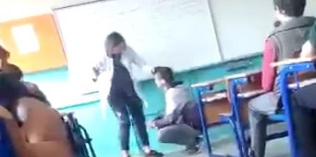 Tokat atan öğretmen okuldan uzaklaştırıldı