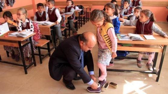 Van'da öğrencileri 'ısıtan' yardım