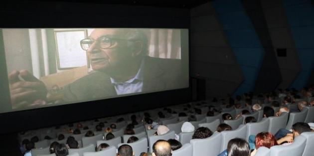 Yaşar Kemal Efsanesi Diyarbakır'da izleyicisiyle buluştu