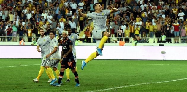 Yeni Malatyaspor: 3 - Medipol Başakşehir: 0