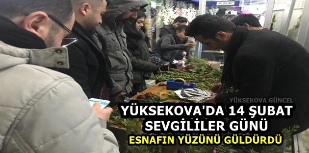 Yüksekova'da 14 Şubat Sevgililer Günü esnafın yüzünü güldürdü