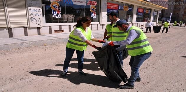 Yüksekova'da Başlatılan Temizlik Kampanyası Devam Ediyor
