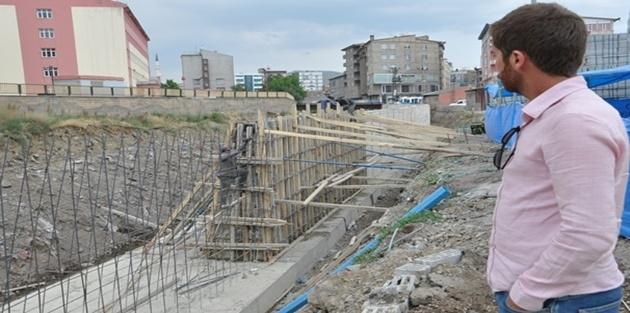 Yüksekova'da Dere Islah Çalışması