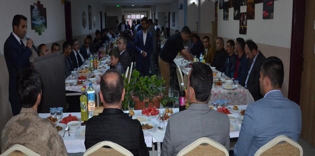 Yüksekova'da iftar programı düzenlendi
