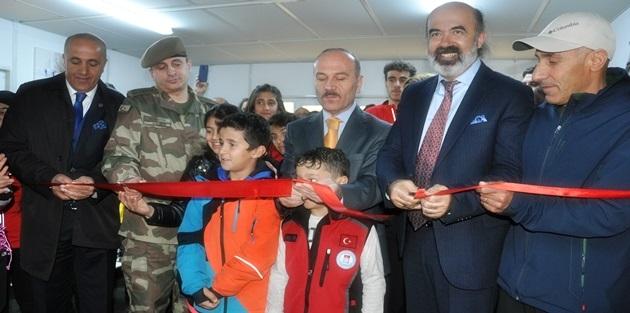 Yüksekova'da Kayak Merkezin Açılışı Yapıldı