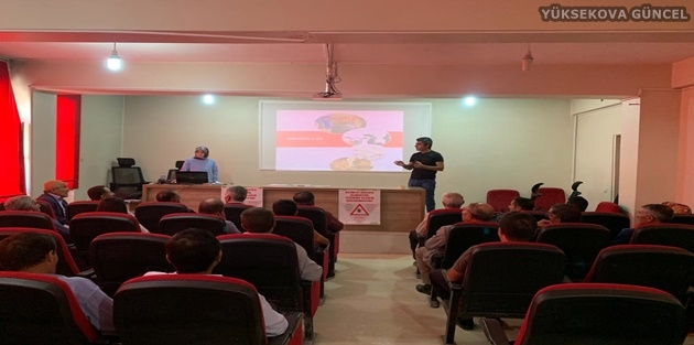 Yüksekova'daki çiftçilere eğitim semineri